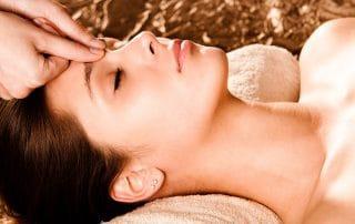 woman having acupressure